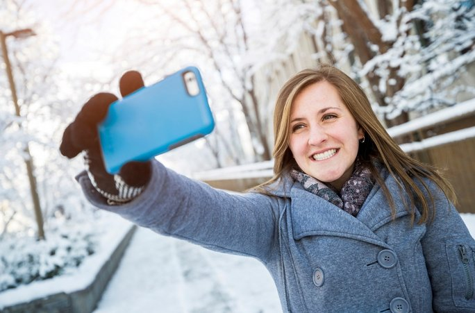 Like taking selfies? New BYU study says that doesn't mean you're narcissist. Maybe. https://t.co/4Bhth0iSTS https://t.co/FUzSkBp5D9