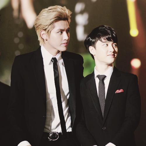RT @remaexopink12: Thank you Kris for taking care of him before parting ways #krissoo #HappyKyungsooDay #HappyDODay https://t.co/8XvfopsNNt