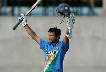 Happy birthday to Rahul Dravid The real legend for team India an inspiration player and my favourite player