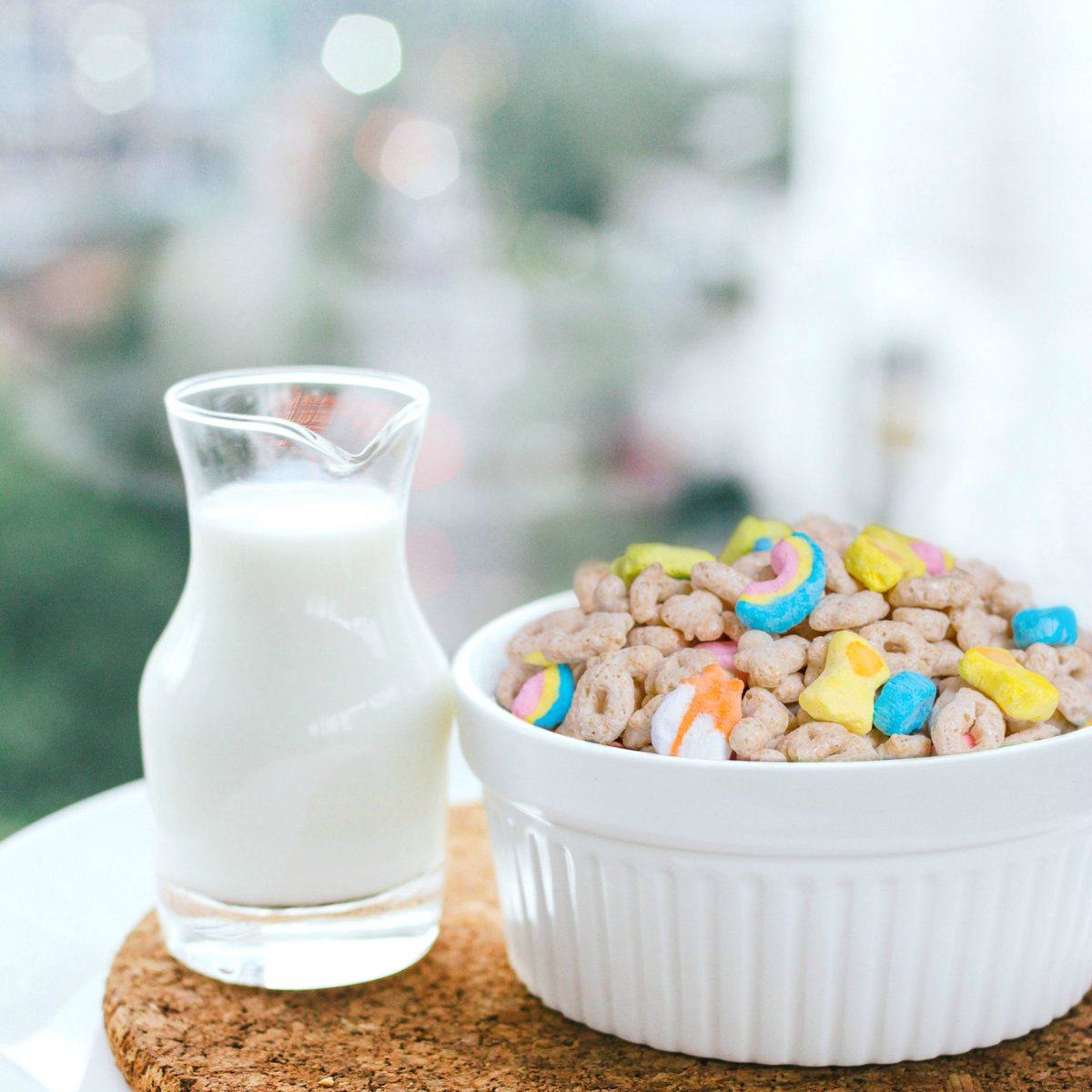 RT @LuckyCharms: The perfect pair. #nationalmilkday #magicallydelicious https://t.co/DTewNtN4DF