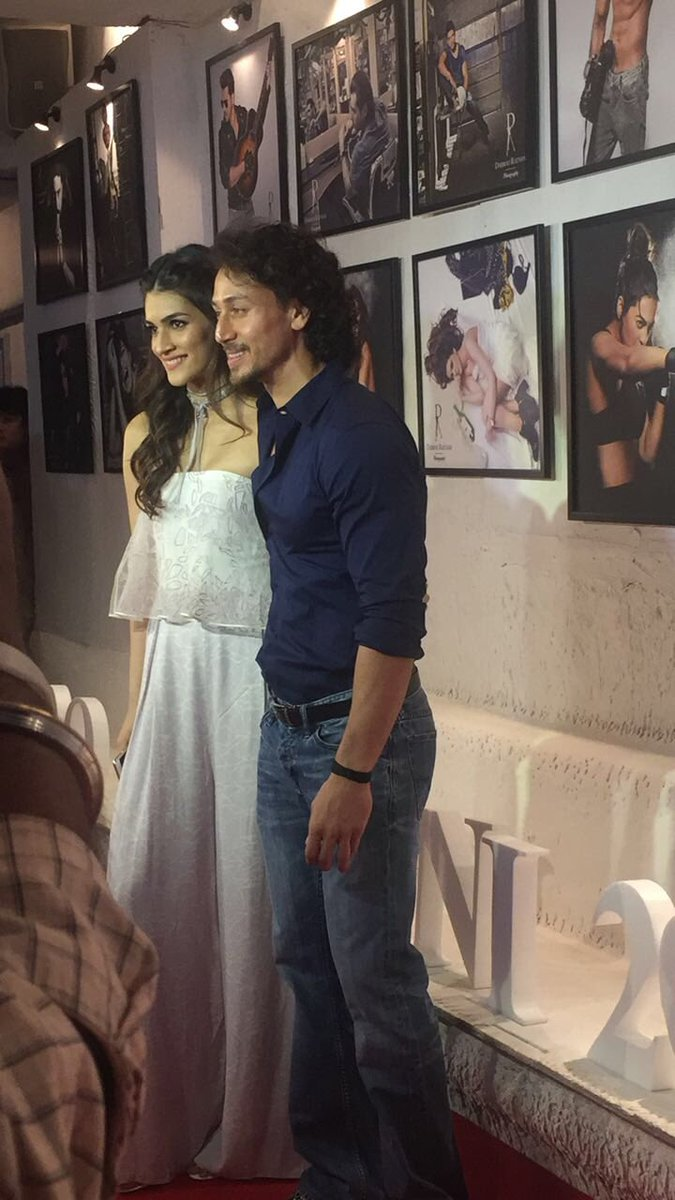 #DabbooRatnaniCalendar2017 @kritisanon and @iTIGERSHROFF posing for the shutterbugs!