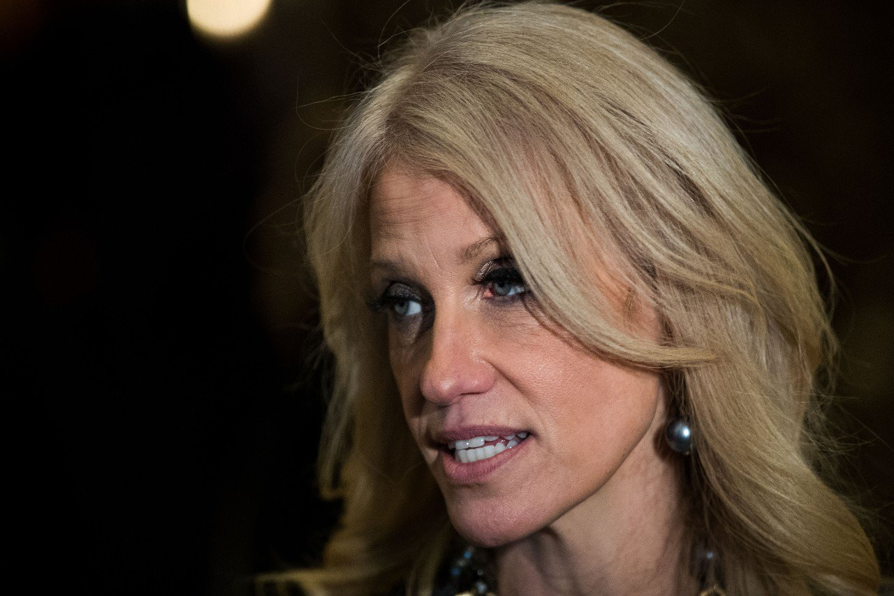 Kellyanne Conway condemns intelligence leaks on Late Night With Seth Meyers: https://t.co/7JMF4Y1kKw https://t.co/d7POZ9Vq4U