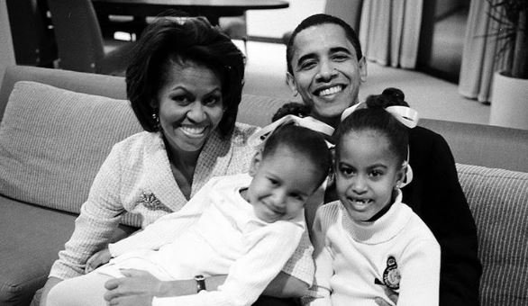.@FLOTUS responds to president's farewell address with sweet throwback photo #ObamaFarewell