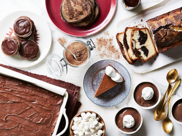 Think outside the mug!  Turn hot cocoa packets into chocolatey desserts with our tips: https://t.co/DjGUvXWJ7w. https://t.co/sH526rERoj