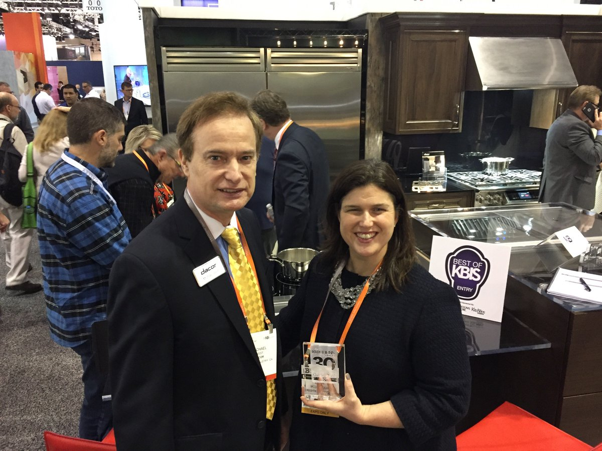 Thank you Beth McDonough from @tradhomesmag for presenting Dacor with the  @BHG 30 Most Innovative Products Award! https://t.co/U02XeKvhwY