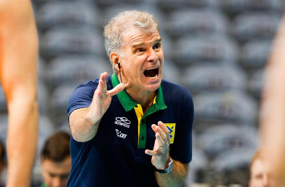 Após 16 anos, Bernardinho deixa a Seleção; Renan assume