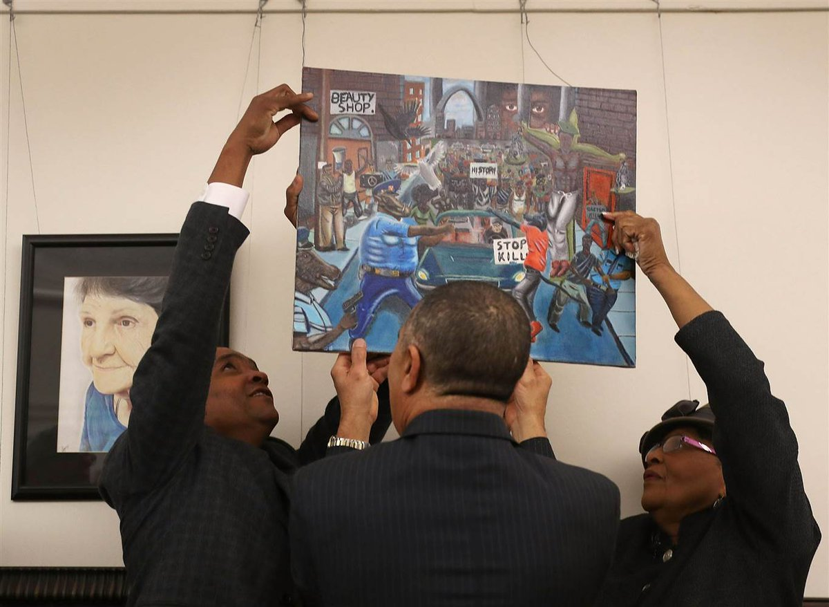 Members of Congress are battling each other over the display of a Ferguson painting at the US Capitol. https://t.co/GXxBgJ5IIx