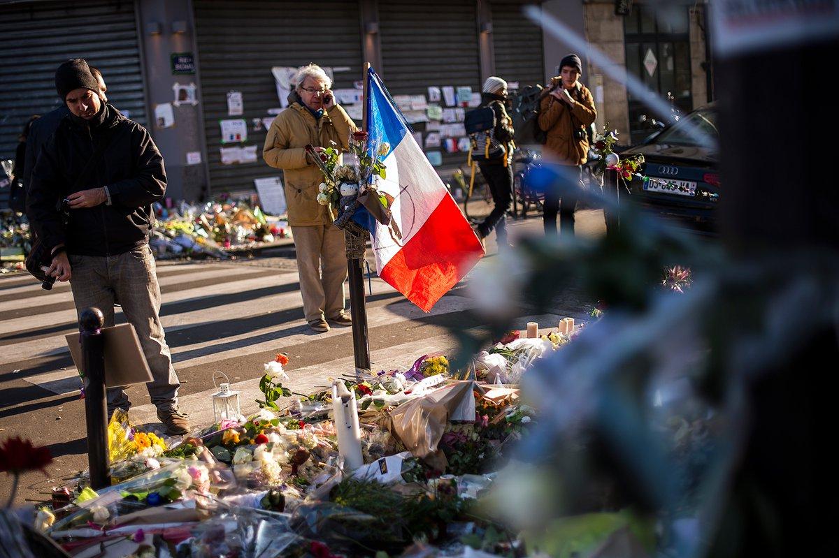 #13novembre : six mois ferme pour un couple de fausses victimes du #stadeDeFrance https://t.co/xOGEO5YH2S