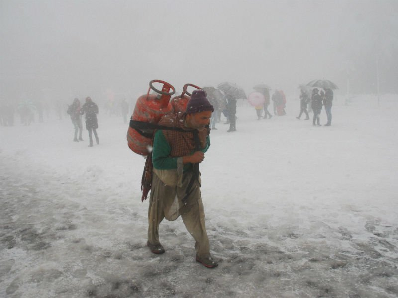 7 die in Shimla as much of north India sees season's lowest temperature