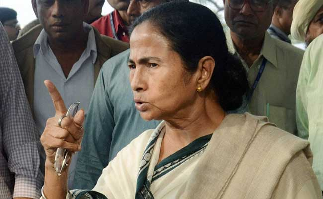 .@MamataOfficial compares PM @narendramodi to Ravana, mocks CBI