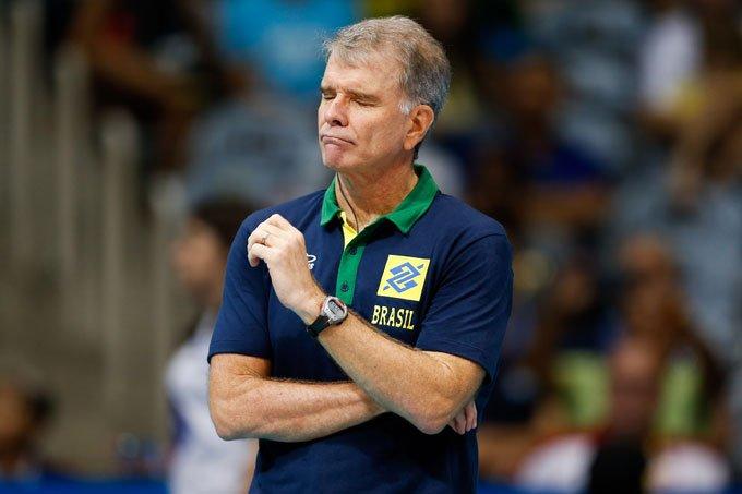 Técnico Bernardinho deixa seleção masculina de vôlei após 16 anos >