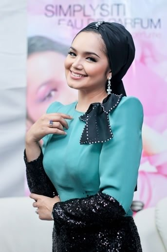 Happy Birthday Siti Nurhaliza