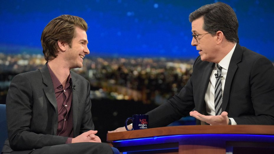 Andrew Garfield explains his GoldenGlobes kiss with Ryan Reynolds (and kisses Colbert)