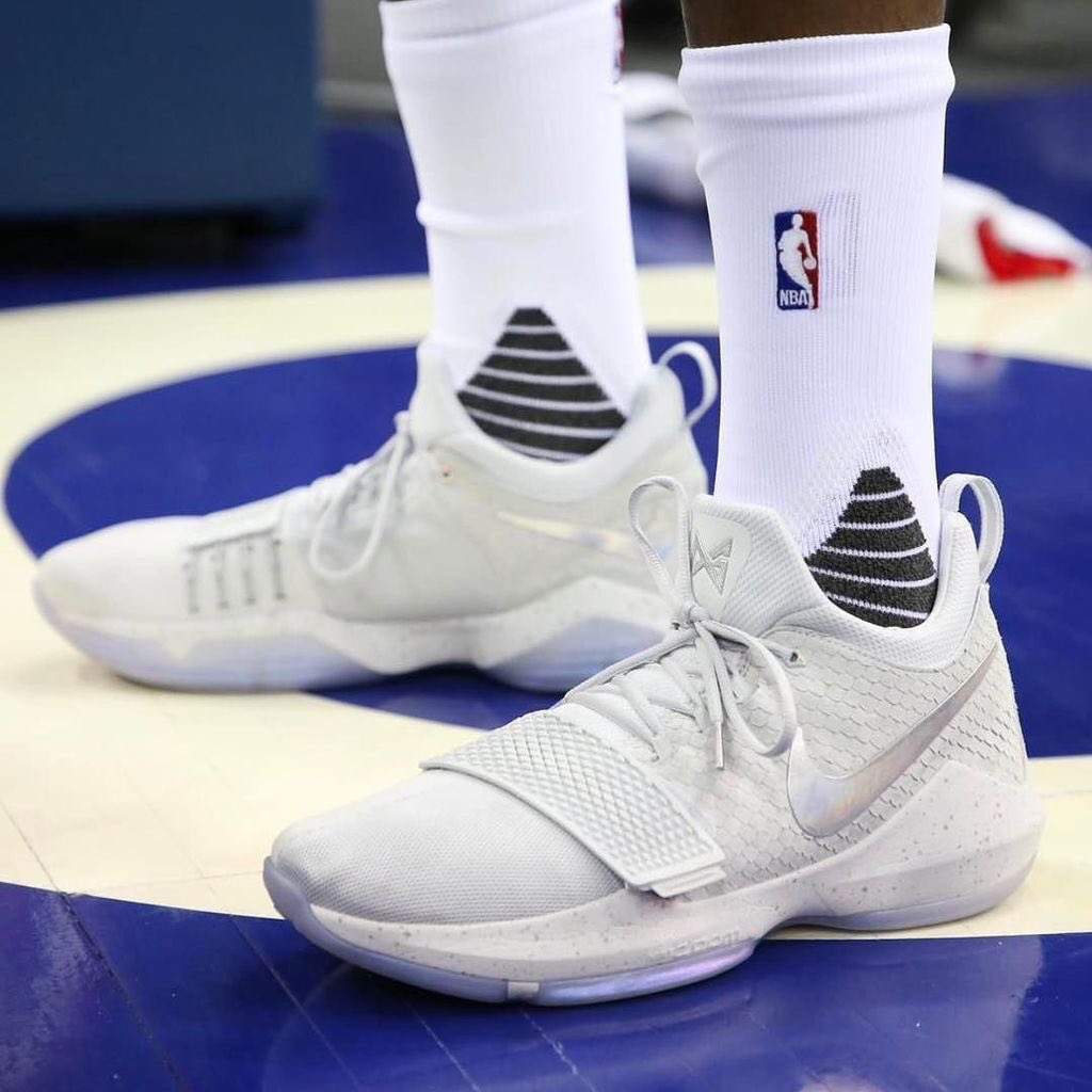 61376283e635 kicksoncourt  paul george debuts the nike pg1