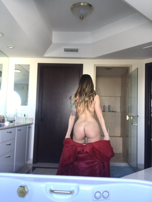 Time to get clean....  #teaganpresley https://t.co/81ZYpJSFgh