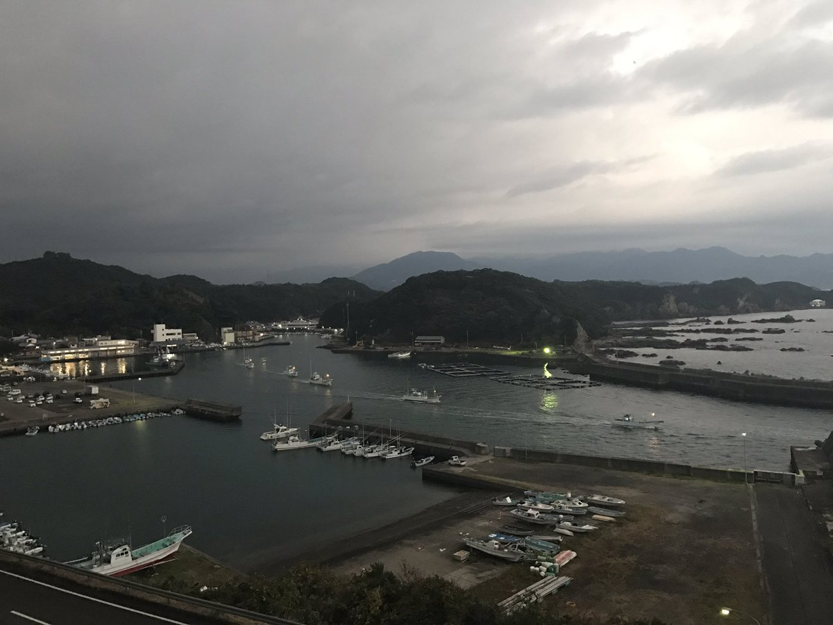 RT @CoveGuardians: Following yesterday's massacre of Rissos, the hunters have left the harbour again! https://t.co/Nlj5AlSkvf