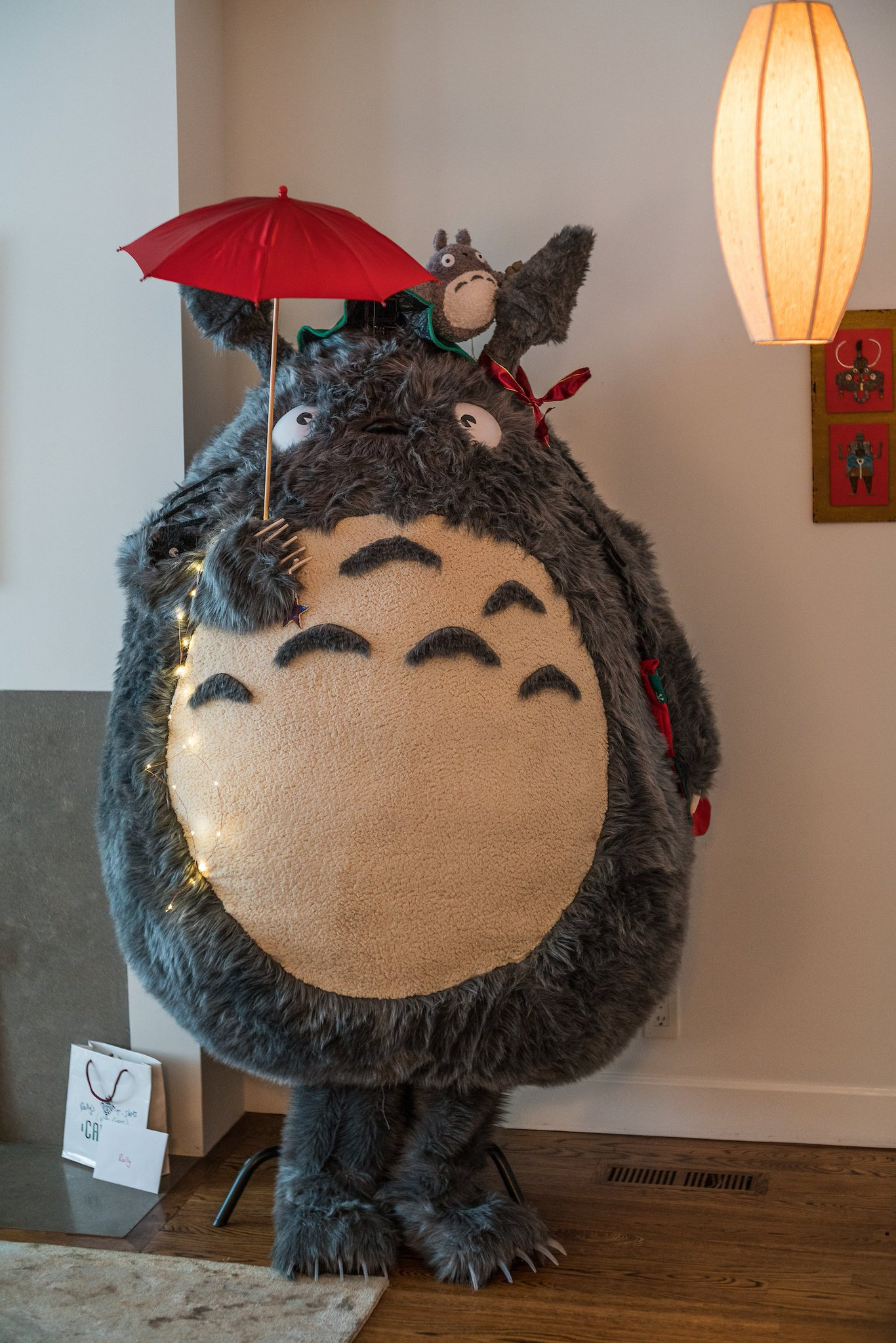 Totoro lives in my living room. (Appropriately enough.) Photo by @echeng. https://t.co/HR0YjiivOe