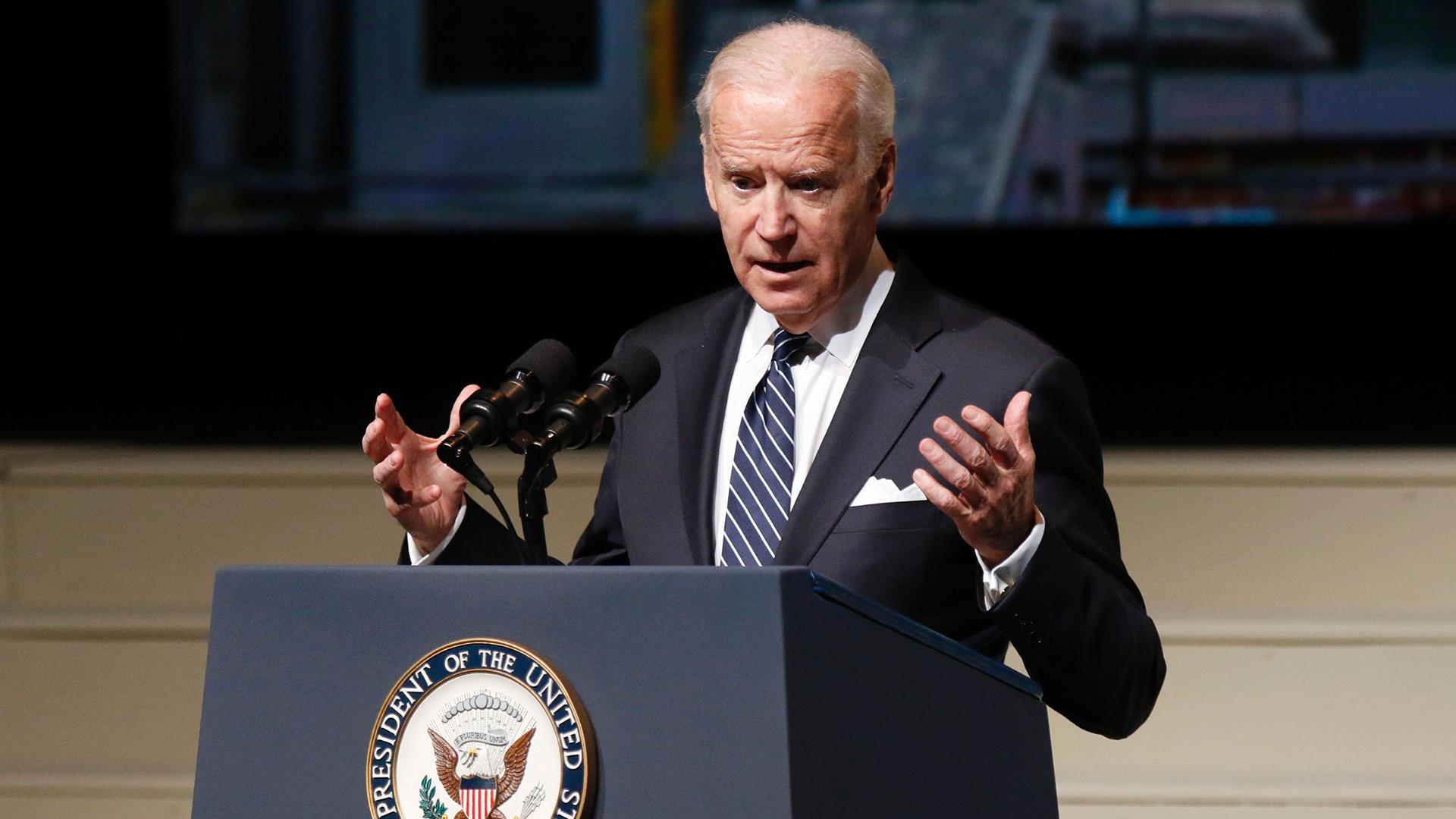 WATCH LIVE: VP Biden delivers address on nuclear weapons https://t.co/StB5KpljsB https://t.co/DCIm0sEZbU