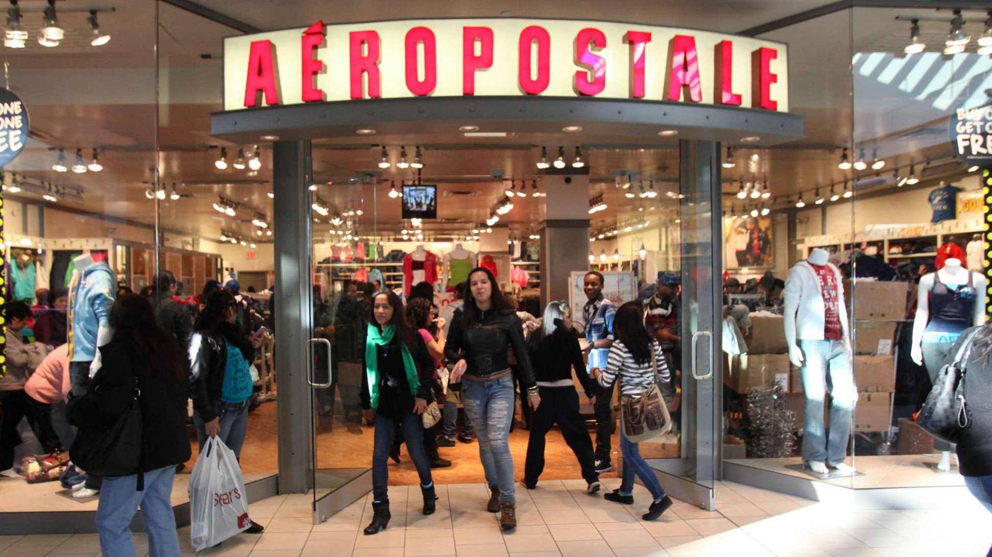 Aeropostale Opening 500 Stores: https://t.co/X4oifrhRZI https://t.co/dtwSSkUQEA