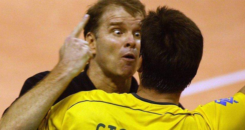 #AcervoOGlobo No vôlei, Brasil é tricampeão mundial masculino, sob comando de Bernardinho.