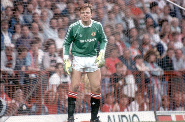 Happy Birthday Mark Bosnich Here he is in his first spell at United. So good they signed him twice!