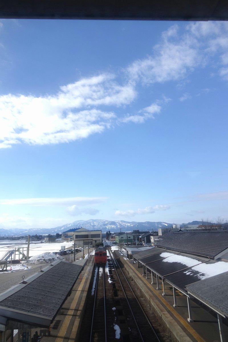 冬の富山。キラキラしてた18きっぷでマルカン百貨店へ!コトノハの外ベンチでのんびり三国花火大会とグラスリップが重なった(