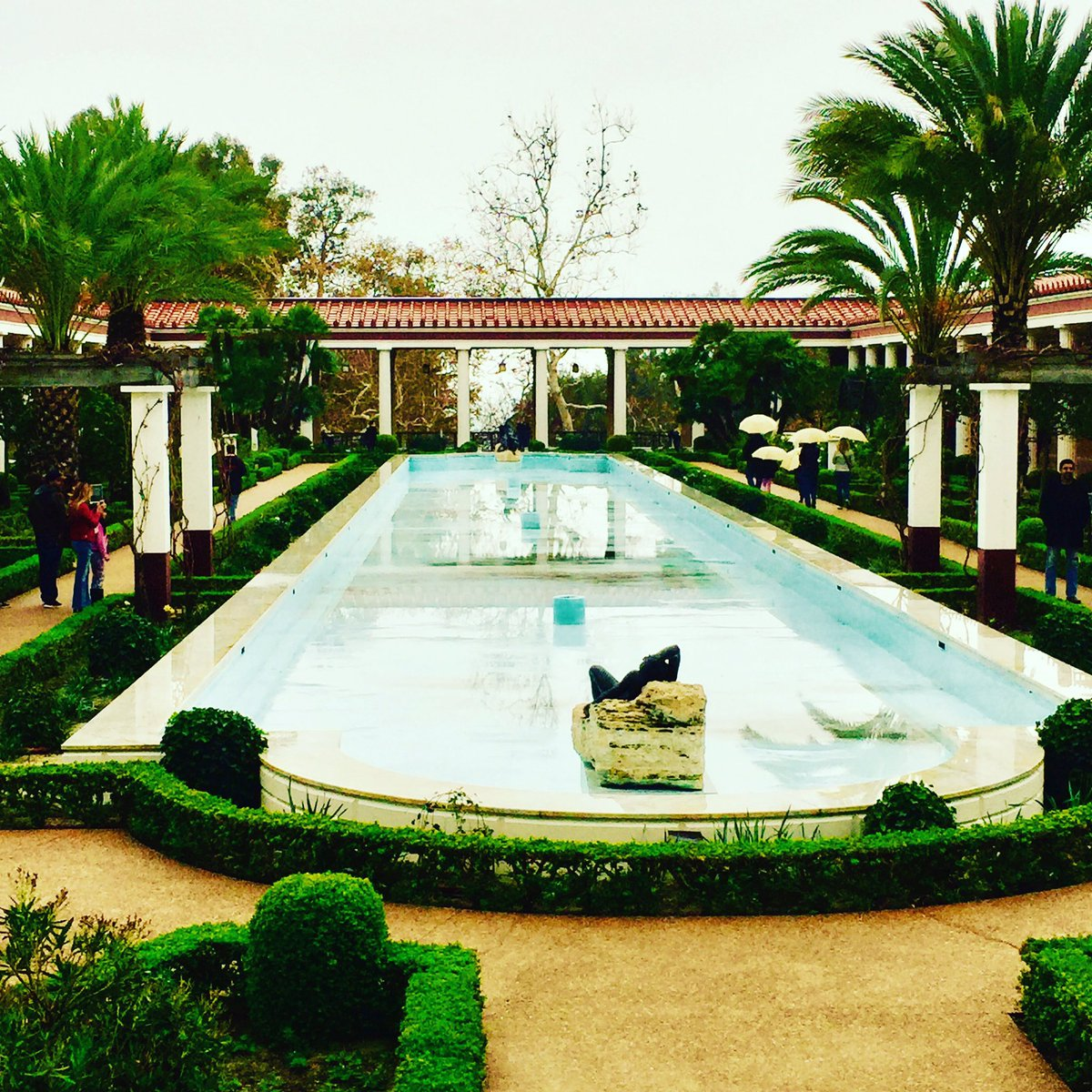 A gorgeous New Year's Eve in Malibu at the @GettyMuseum Villa. https://t.co/b67d6jidGY