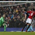 Após gol de Ibra anulado, Manchester United vence com virada 'relâmpago' - Esportes - Estadão