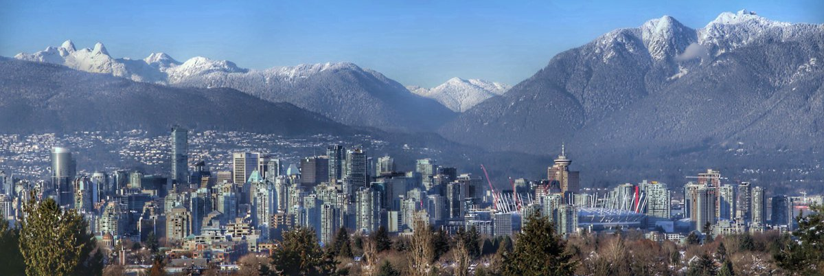 A beautiful start to a new year in Vancouver. Let's hope the next beats the last,  Photo: Rosey-Noelle   Flickr https://t.co/e2XbwFSofc