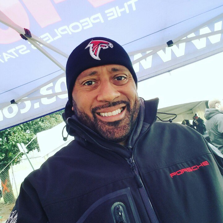 Happy New Year From The @V103Atlanta Falcons Tailgate!  Northside & Magnolia Street! Free Food, Games & Prizes https://t.co/UbOEqSU757