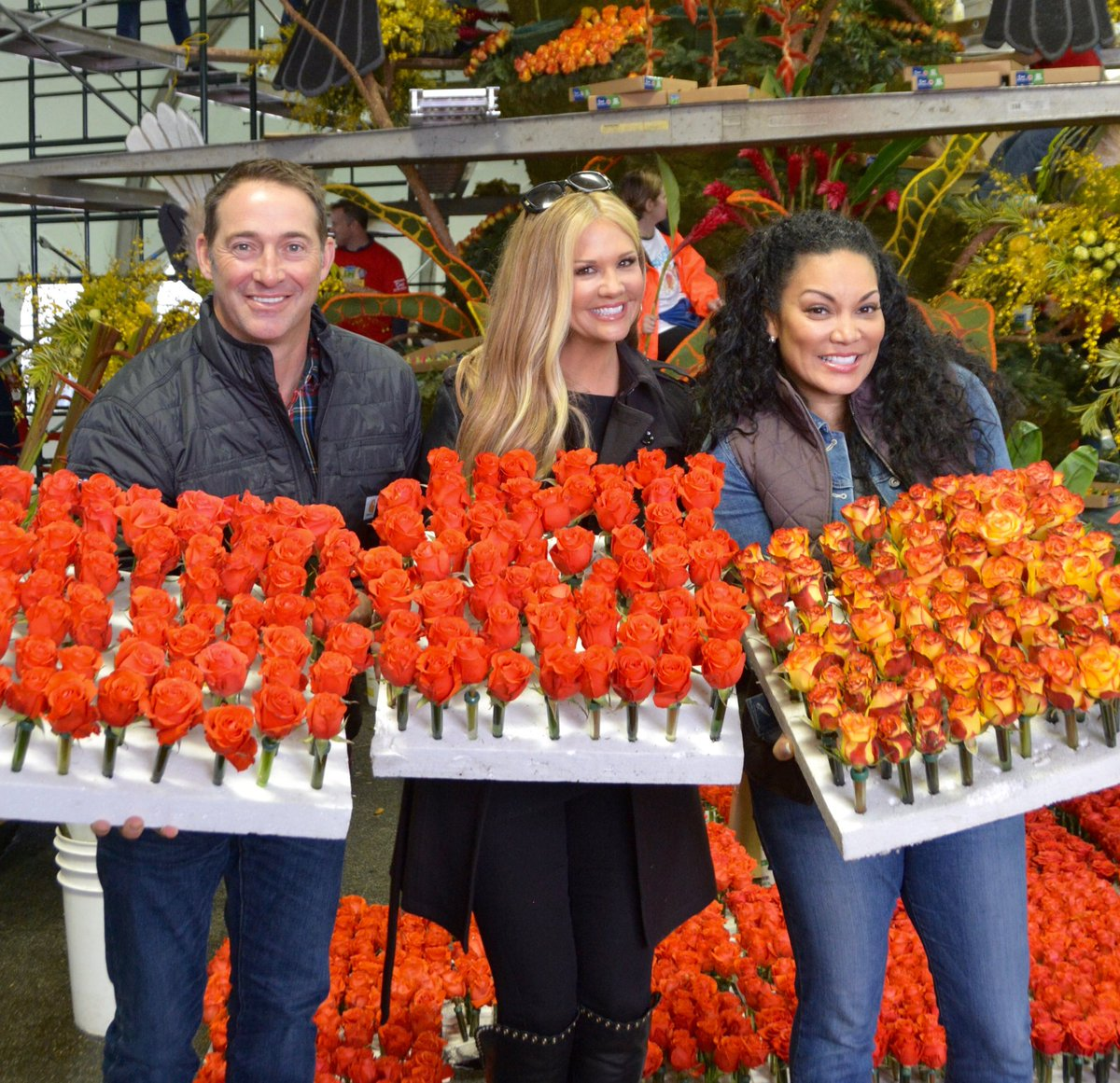 Watch the Rose Parade LIVE TODAY at 11amET/8amPT on @HGTV hosted by me @nancyodell and @joshtempletv #HGTVroseParade https://t.co/pHS8VA1mMu