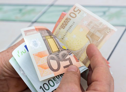 Finland is giving 2,000 citizens a guaranteed income whether they work ornot
