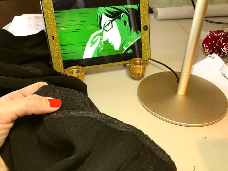 今回は『坂本ですが?』見ながら縫い物。コミックはもう読んでるけどアニメも見てみよう。
