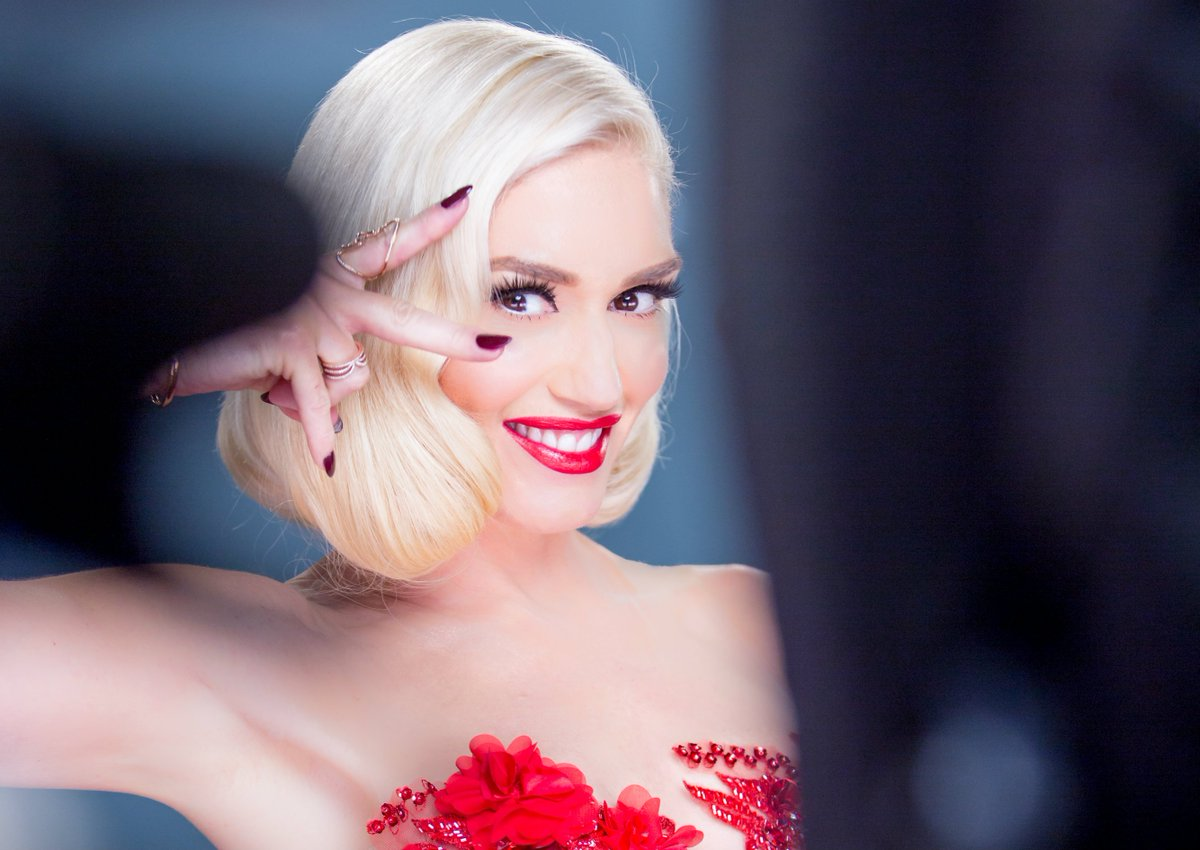 Beauty brand @Revlon names @GwenStefani their newest Global Brand Ambassador #ChooseLove https://t.co/RCpvTFt1yp