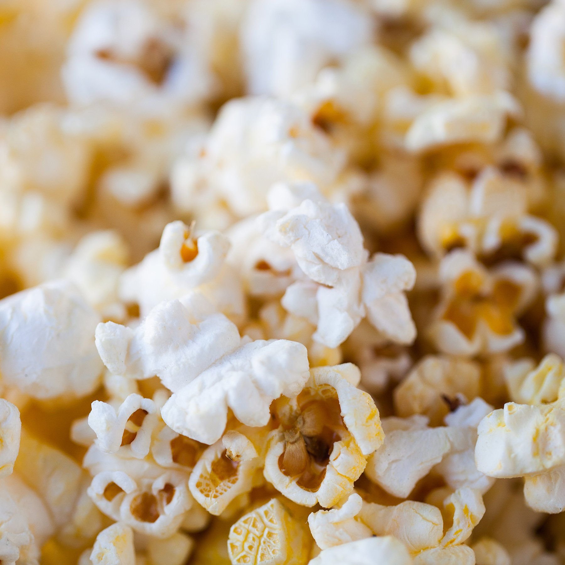Your new year's resolution is to see a movie every #PopcornTuesday! Popcorn is 50% off with your Crown Club card. https://t.co/gVWSnPC2S4
