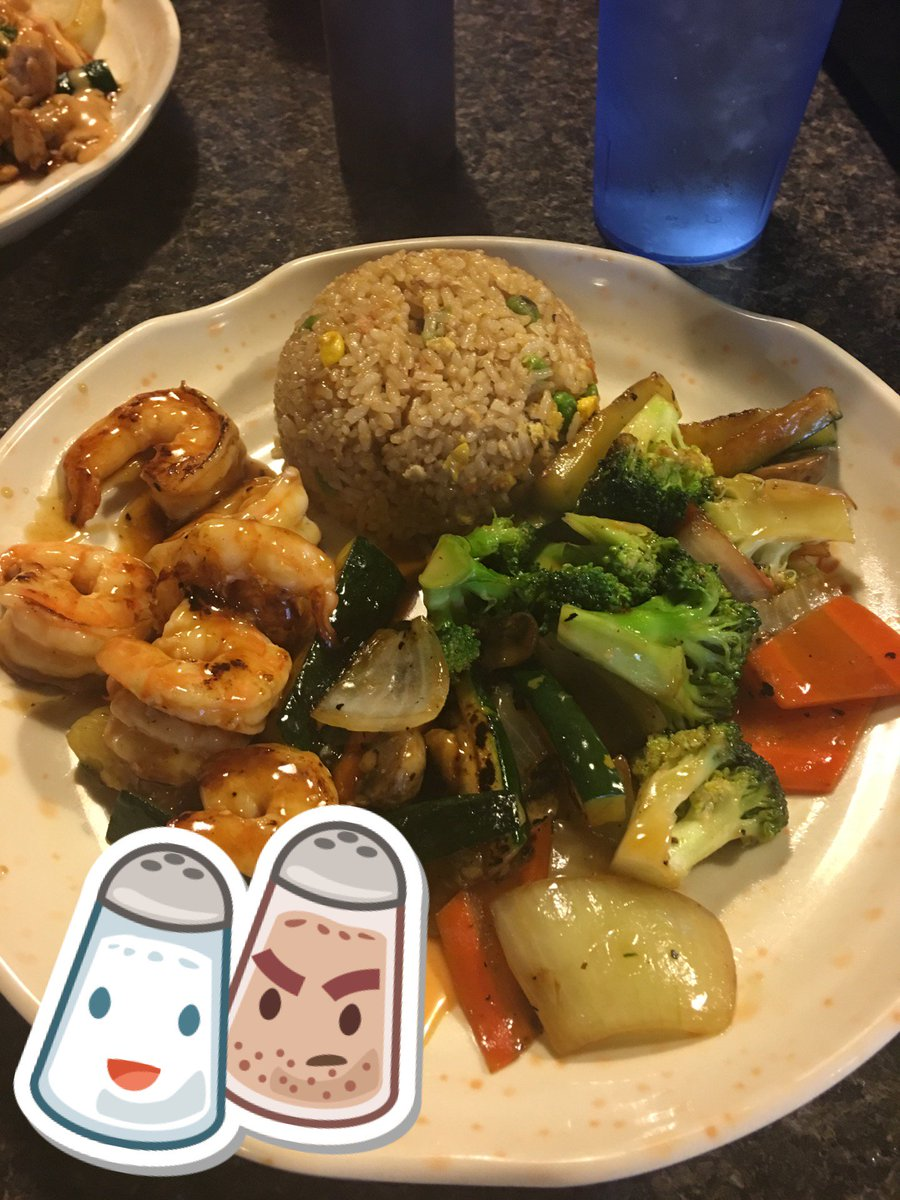 Yuuuuum! 👻🍛🍤 ( lin's Asian Express in Evansville, IN) fux7TRE9ql RFgyoElO