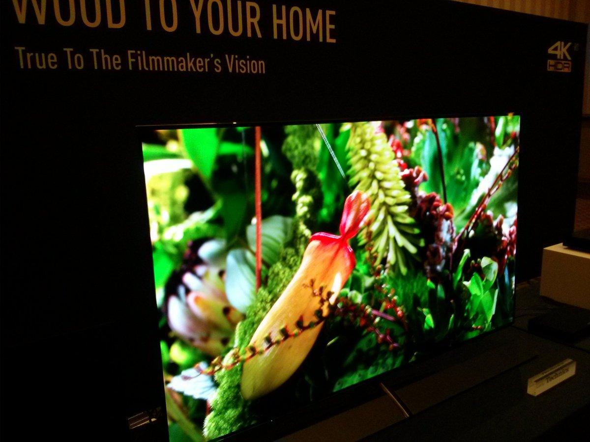 Well this looks awesome!> Panasonic reveals HLG HDR EZ1002 4K OLED TV #CES2017  #InsideCI  https://t.co/XdInnNJLt2 https://t.co/LBVwXQCOul