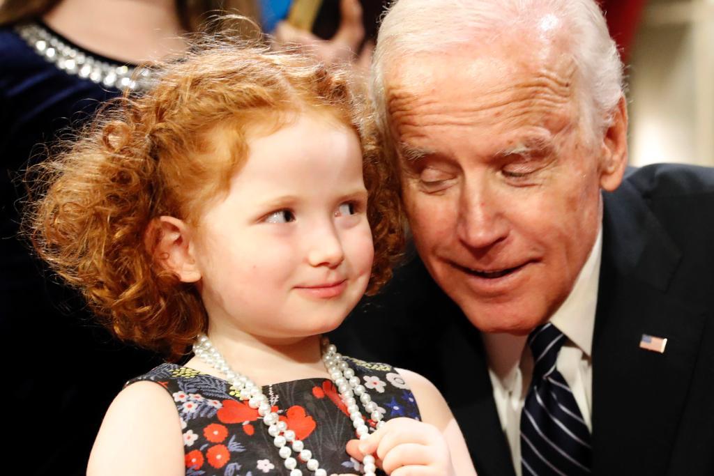 Vice President Joe Biden brings laughs at final Senate swearing-in