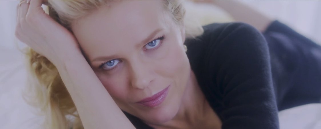 Eva Herzigova shares her beauty weapon: Dreamskin Advanced, the new generation of perfector by Dior. https://t.co/EsOfQm52EK