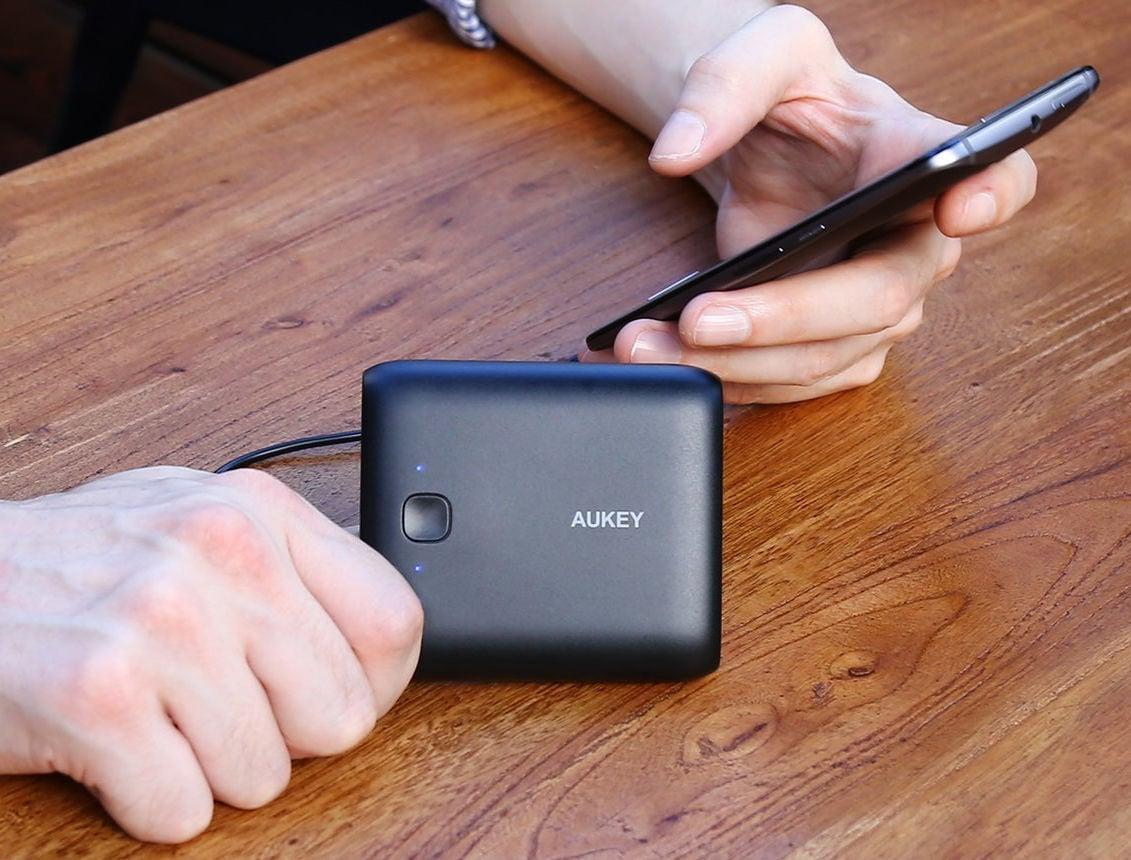 Aukey、10000mAh/USBx2バッテリーが1,399円のクーポンセール#セール #バッテリー #クーポン