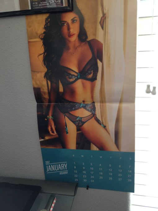 😘RT @nkmystr: .@AriannyCeleste I say don't. #YouSnoozeYouLose  PS ~ January never looked so good! https://t