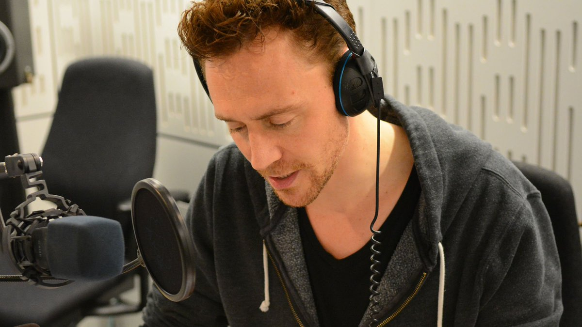 Put your headphones on and let Tom Hiddleston read you some lovely Proust. https://t.co/DiQjNuXqFx https://t.co/kzvLwzR4AS