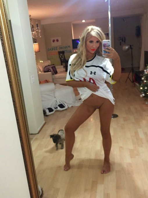 1 pic. Wow! @SpursOfficial #Spurs beat @ChelseaFC #CFC? That calls for pics of me & @TashaReign in #THFC