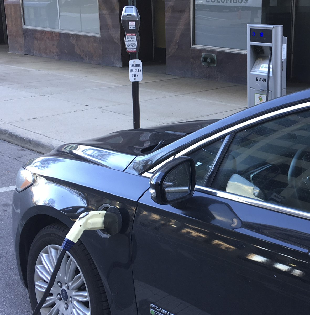 More chargers for electric cars coming to central Ohio