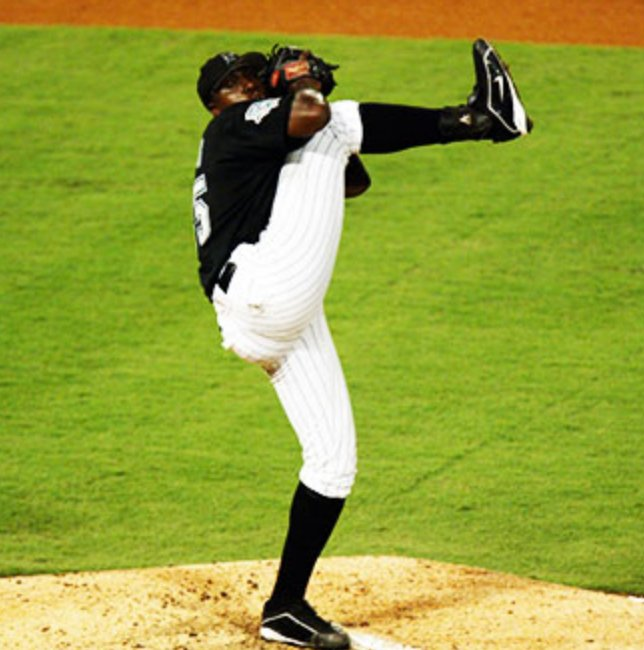 Happy birthday, Dontrelle Willis. One of the greatest leg kicks ever.