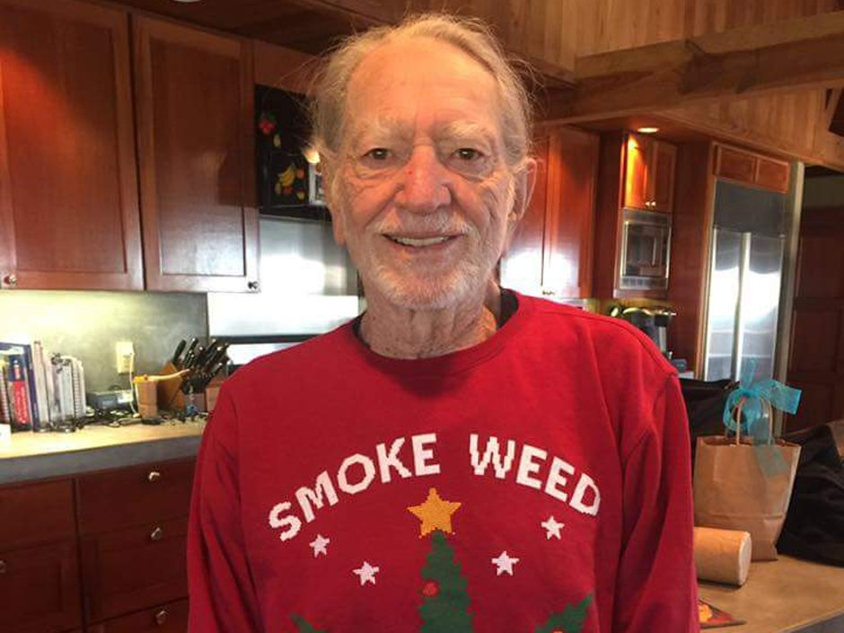 What did Snoop Dogg get his best pal Willie Nelson for Christmas? via @nparts