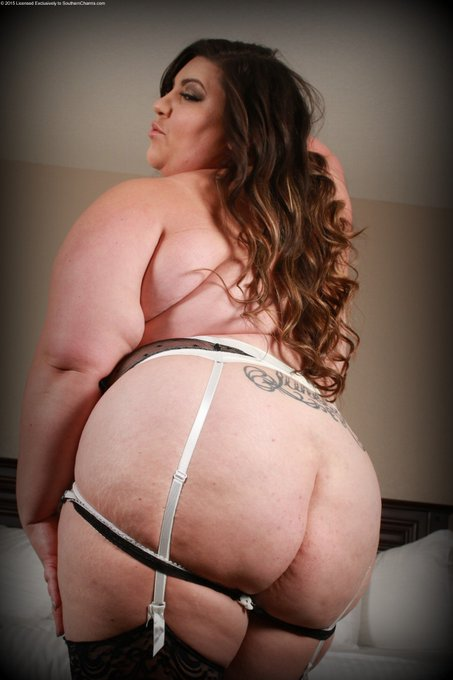 Photos and videos updated weekly on my southern charms site https://t.co/OPko4aEKaE! Join for only $14