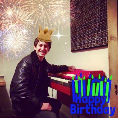 Happy birthday, Alex Turner! forever my crush.