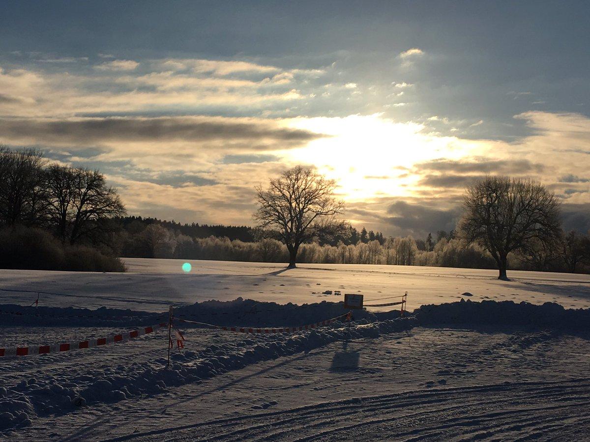 Heute macht das Wetter echt ernst. Frozen Beauty @CSU in #Seeon17 bei -12 Grad. https://t.co/454gGiTtmZ