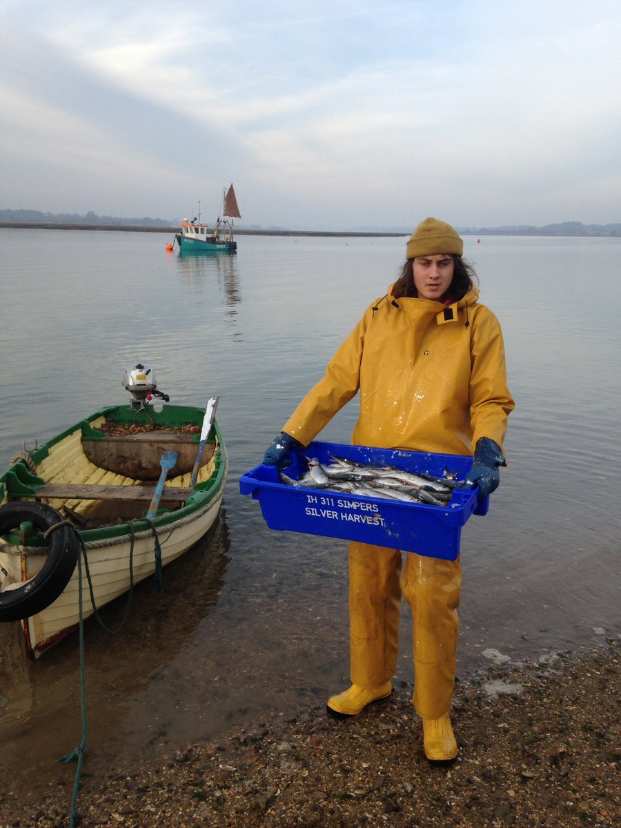 RT @Simpersfish: Looking forward to seeing  our Deben mussels tonight Channel 4 at 8 pm https://t.co/XKemV00GI9